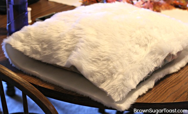 diy fur pillow cover3