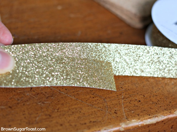 Glitter coasters - what a great gift idea! only takes 5 minutes to make!