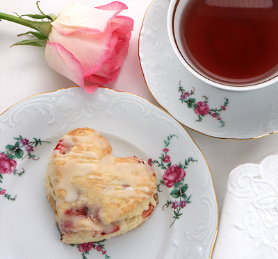 strawberry-cream-scones